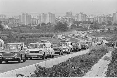 Julio Cortázar: Reseña: La autopista del Sur